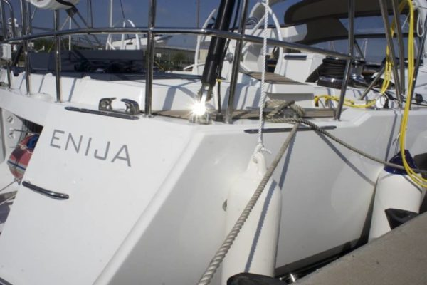 Yachting 2000 Charter Jeanneau 64