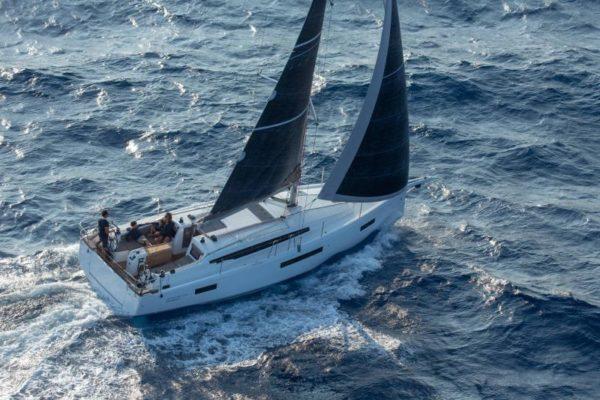 Sun Odyssey 410 Segelyacht Yachting 2000 Charter Yachtinvest