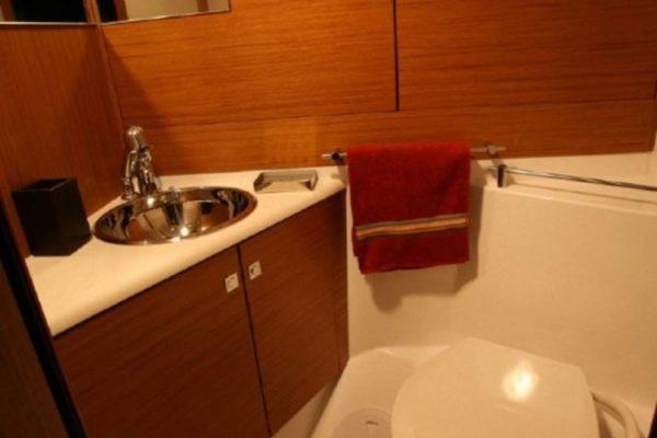 Yachting 2000 - Sun Odyssey 49i Skazka Toilette