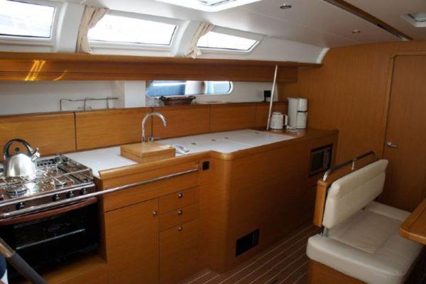 Yachting 2000 - Sun Odyssey 49i Skazka Küche