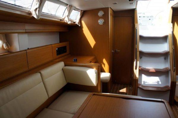 Yachting 2000 - Sun Odyssey 49i Skazka Salon Stiege