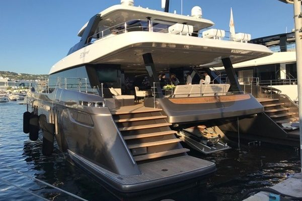 Sunreef Power 80 Weltpremiere Cannes Yachting Festival 2019