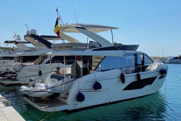 Absolute Fly 47 Vardo  Yachting 2000