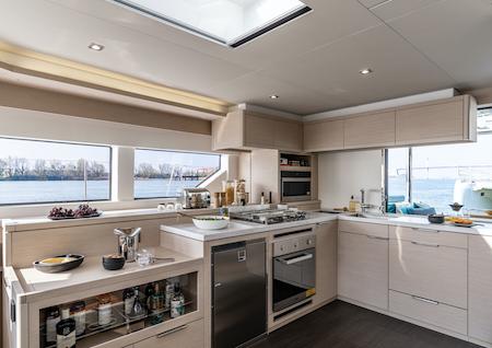 Lagoon 55 Küche