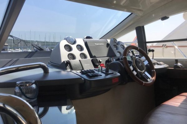 Azimut 43 Charter Croatia Yachting 2000