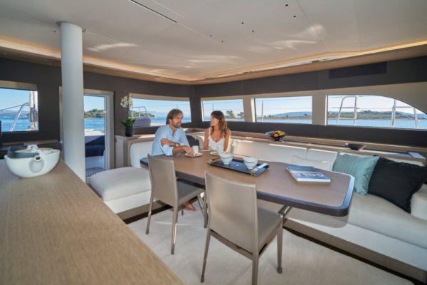 Lagoon SIXTY 5 Salon | Yachtcharter | Yachting 2000