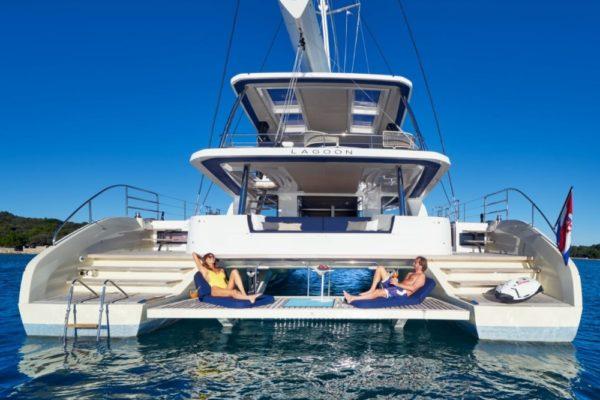 Lagoon SIXTY 5 Heck | Yachtcharter | Yachting 2000