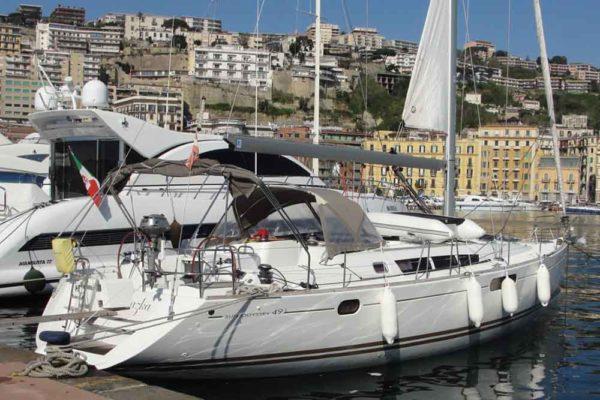 Yachting 2000 - Sun Odyssey 49i Skazka seitlich