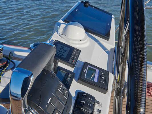 Jeanneau 60 Yachting2000 Steuerstand