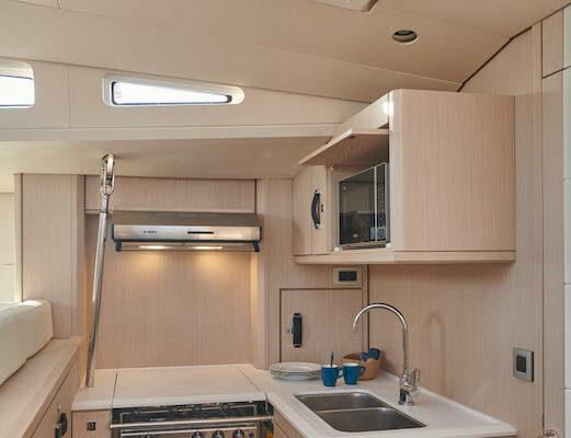 Jeanneau 60 Yachting2000 Küchenbereich