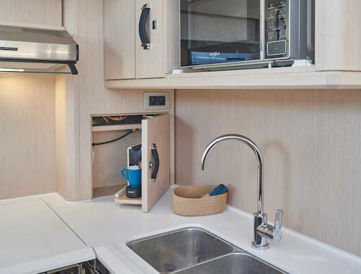 Jeanneau 60 Yachting2000 Küchenausstattung