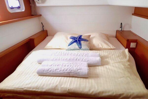 Lagoon 450 Bagira bei Yachting 2000 Charter