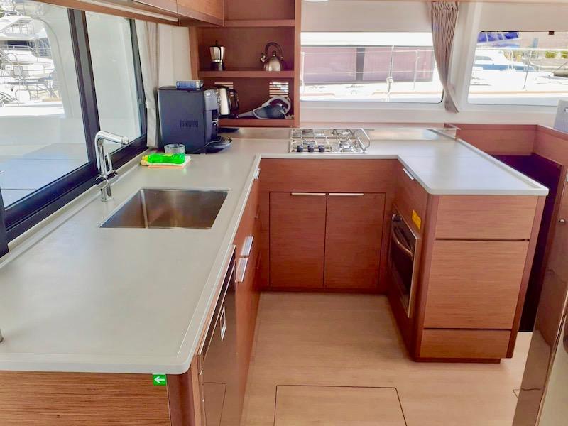 Yachting 2000 Lagoon 46 Küche