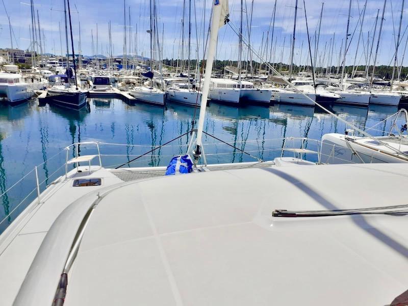 Yachting 2000 Lagoon 46