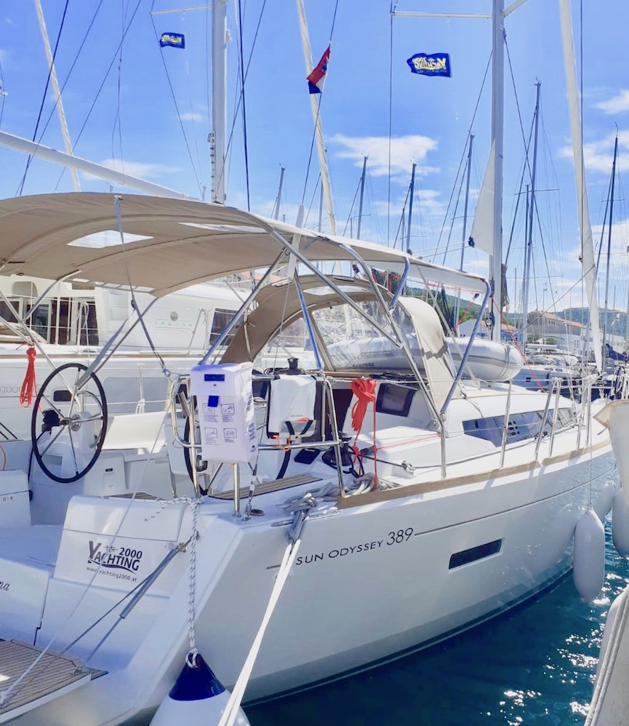 Yachting 2000 Sun Odyssey 389 Santana für Charter in Kroatien